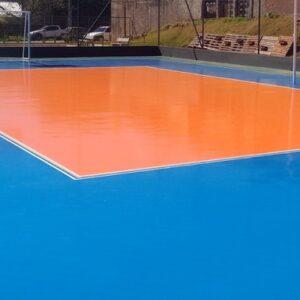 Aplicação de Tinta Polythane piso em quadra de esportes